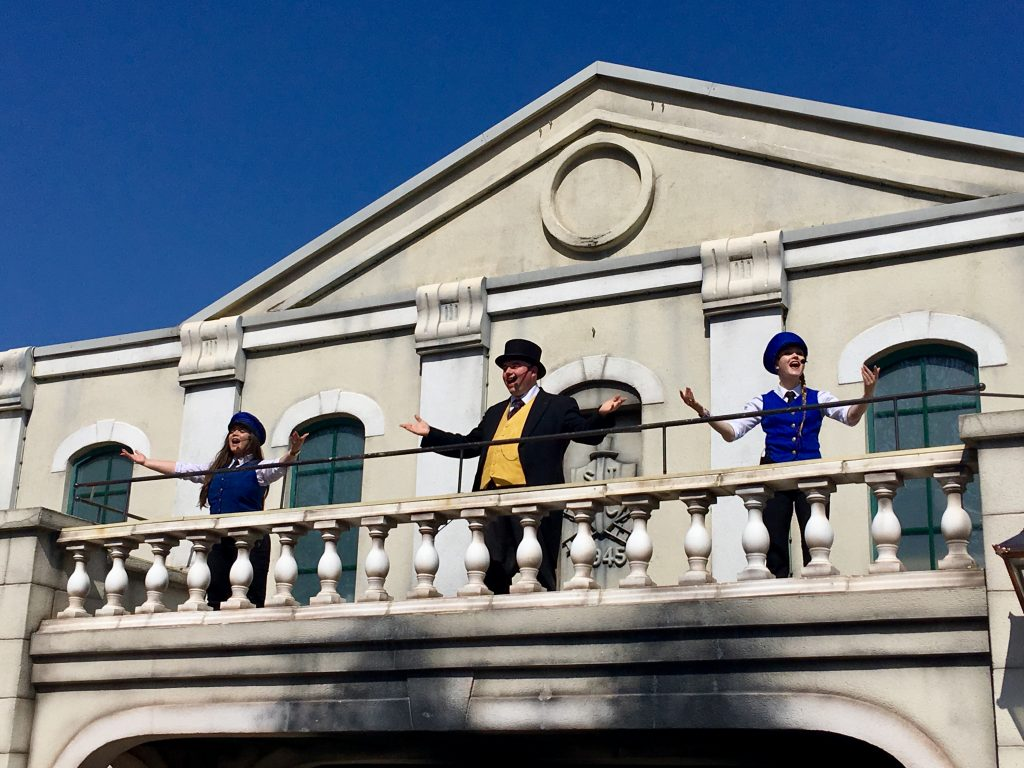 Drayton Manor theme park review The fat controller and 2 ladies singing on a balcony
