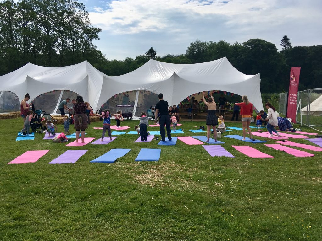 Geronimo Festival 2018 review People doing yoga on the grass