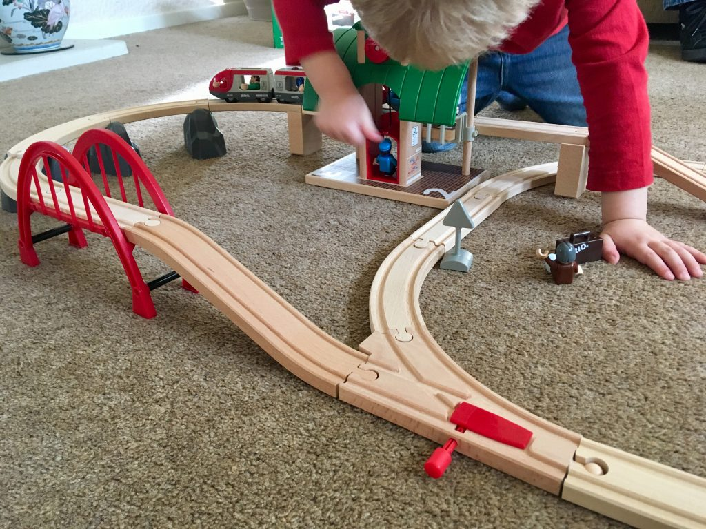 Brio travel switching train set review