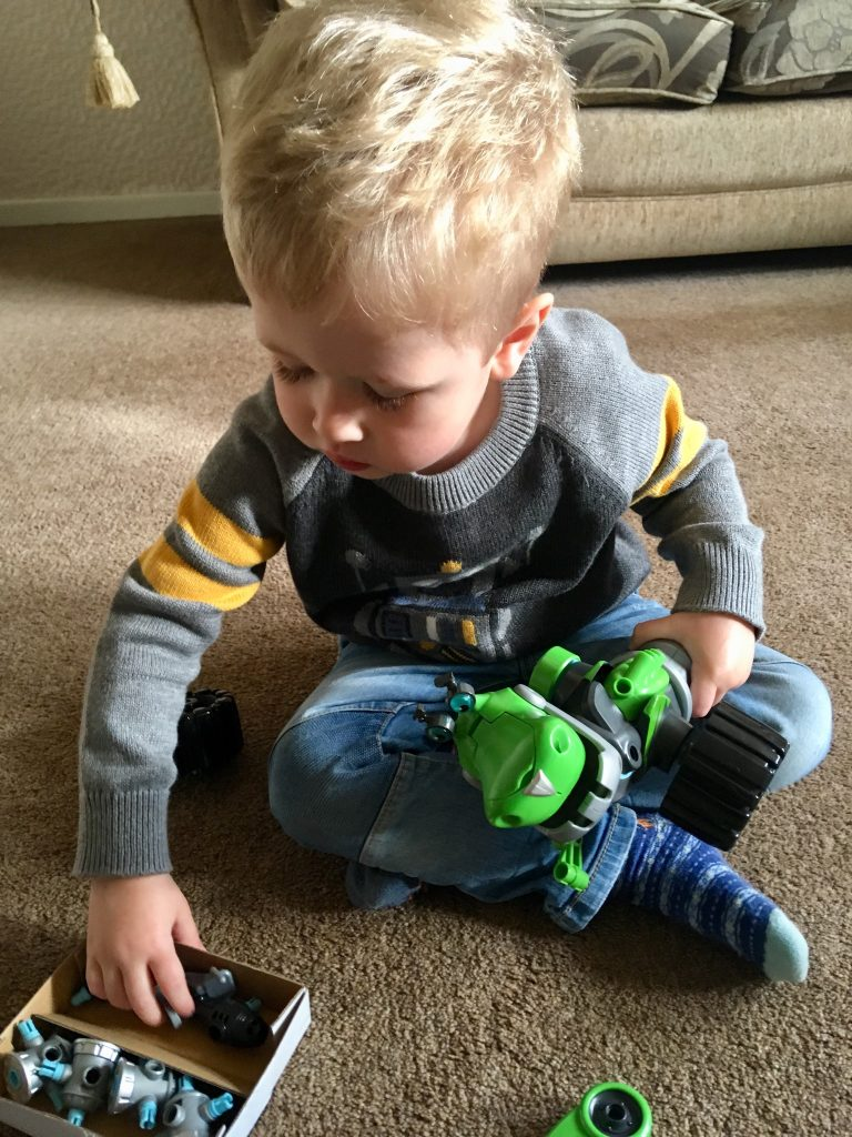 Rusty Rivets Botasaur review Lucas sat down grabbing some attachments for botosaurus