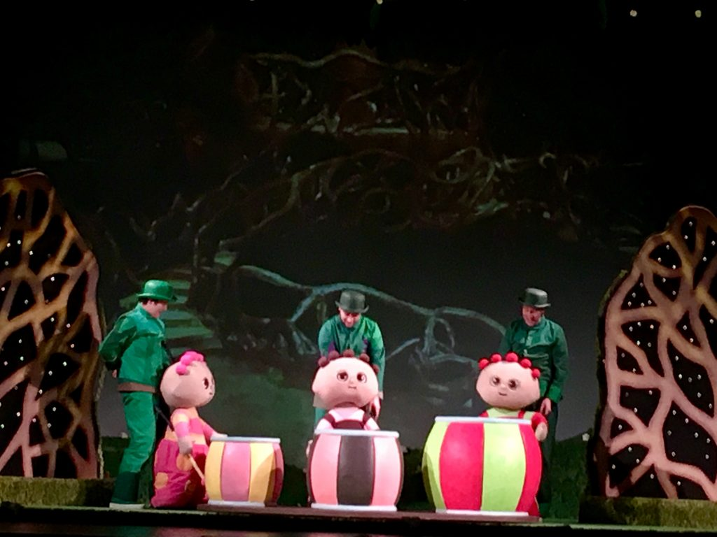 In the Night Garden Live 2019, the tombliboos on stage