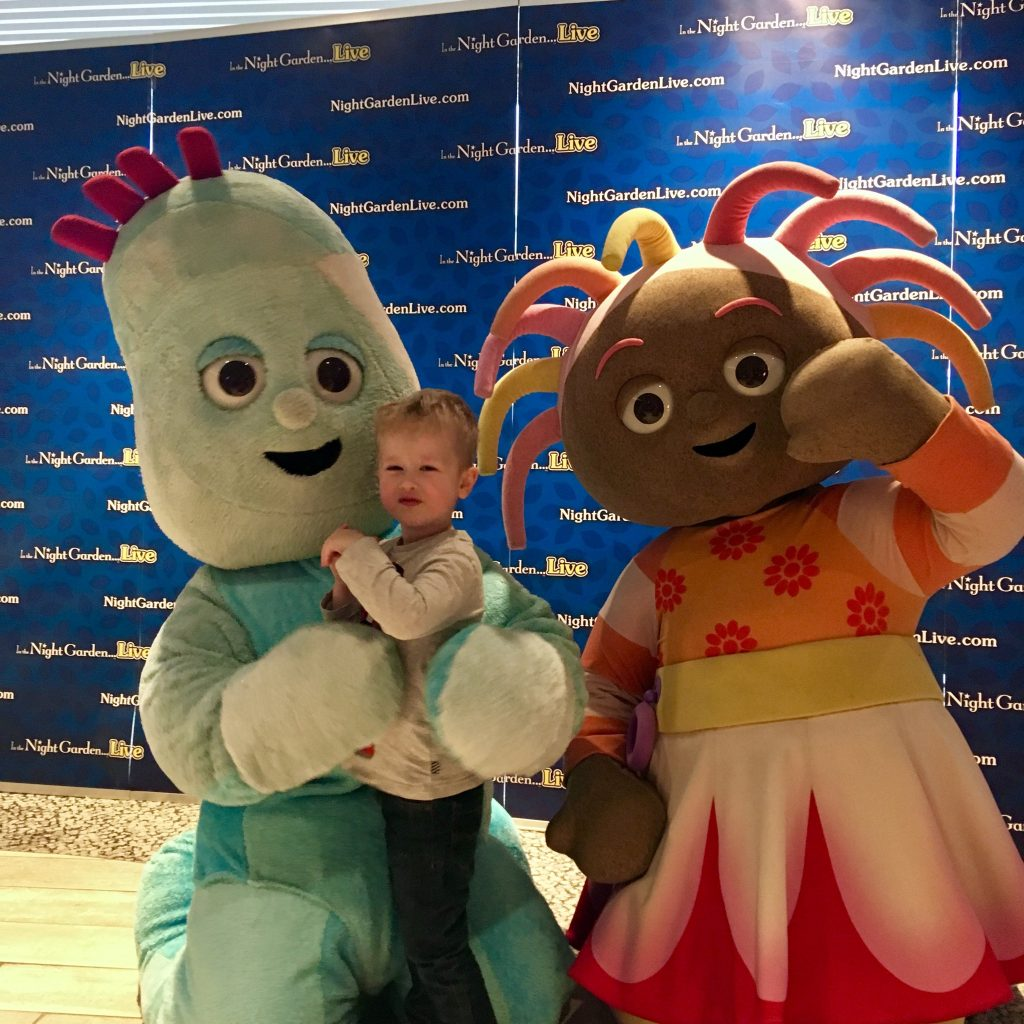 In the Night Garden Live 2019, Igglepiggle cuddling Lucas and Upsy Daisy is waving next to them