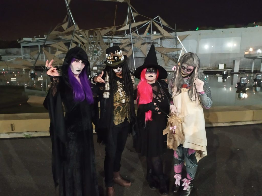 Futuroscope France review. Staff dressed up in scary outfits