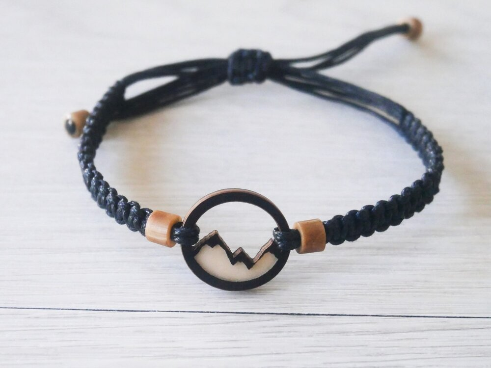 'POWDER HOUND' BLACK MOUNTAIN BRACELET