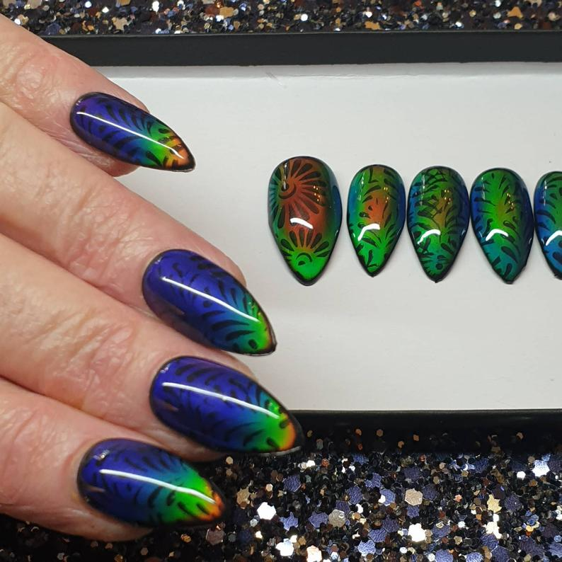 Temperature Colour change Mood Ring nails. 10 nails Black purple red copper green orange blue yellow Press on Nails False Nails Faux Ongles